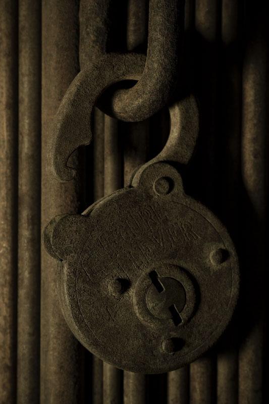 Lock (alfabeto Serie-L)